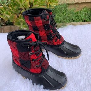NEW** MOM/ DAUGHTER RED/BLACK PLAIDS DUCK BOOTS